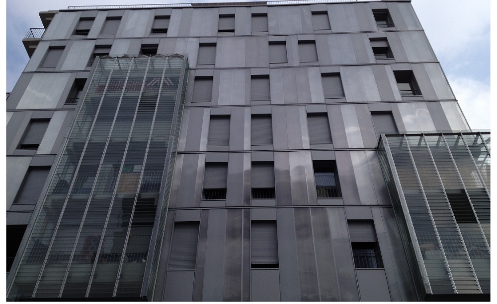 Global Vision, Local Focus, And The Performance Of A Ventilated Façade